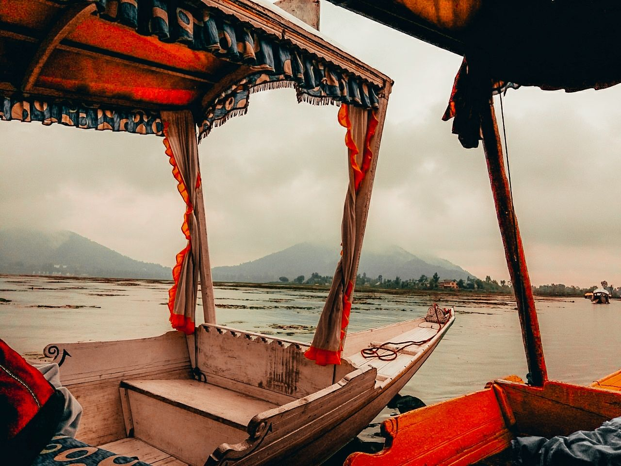 Photo of Dal Lake By Janhvi Khante