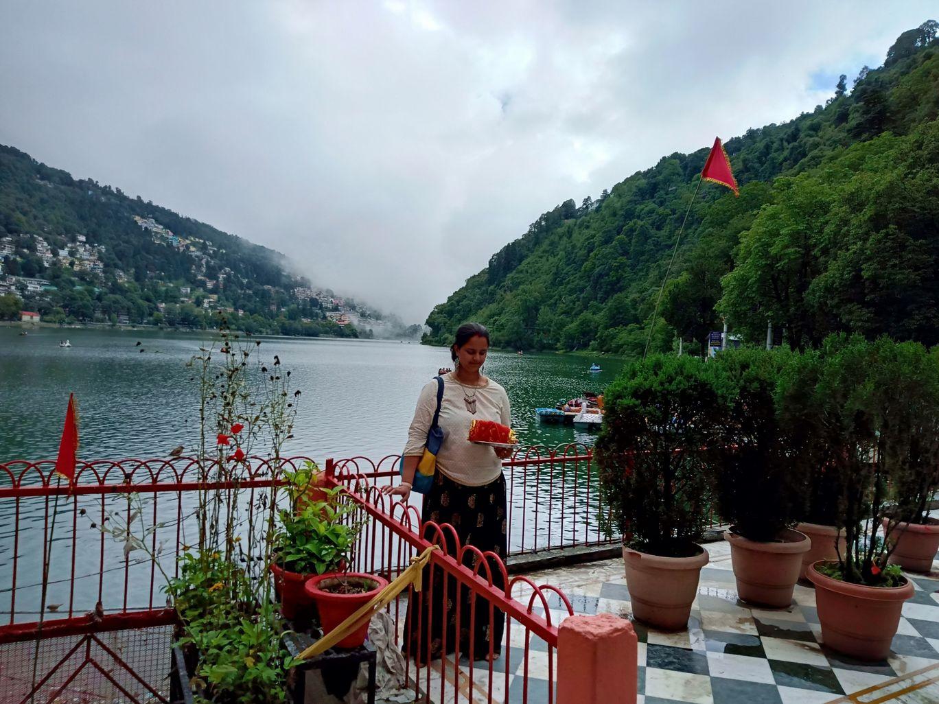 Photo of Naini Lake By RoamingMayank