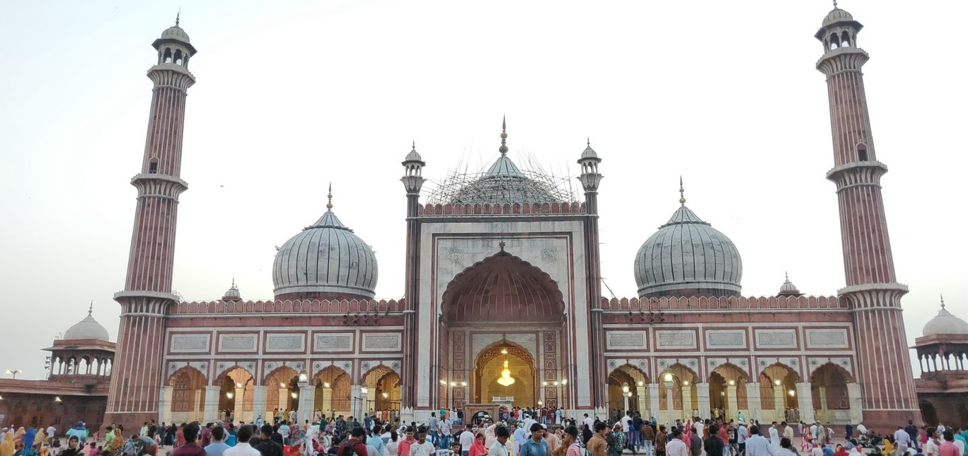 Photo of An evening in Jama Masjid, Delhi!! By Dinesh Lal