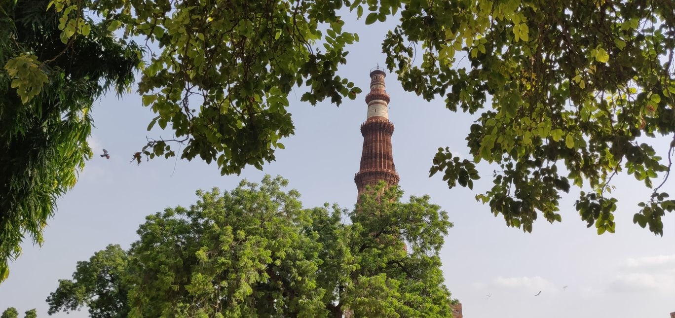 Photo of Qutub Minar, a monument standing strong for 800 years long! By Dinesh Lal