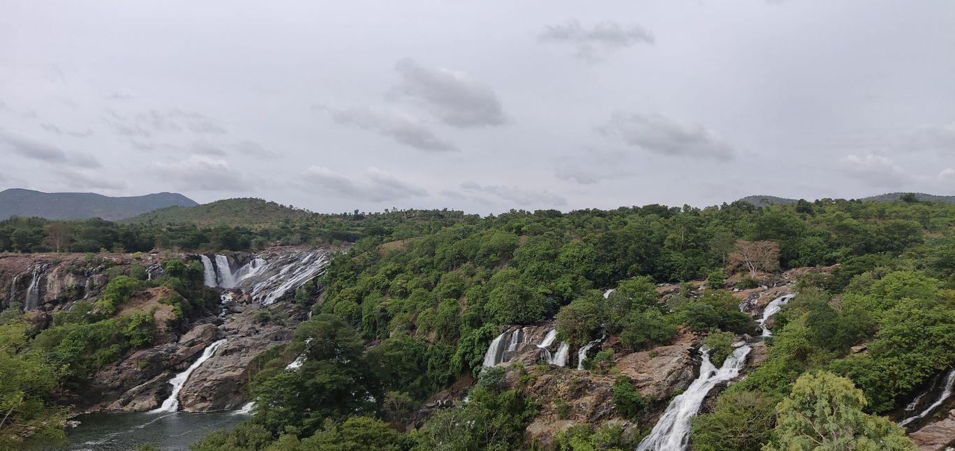 Photo of Barachukki Waterfalls By harish matta