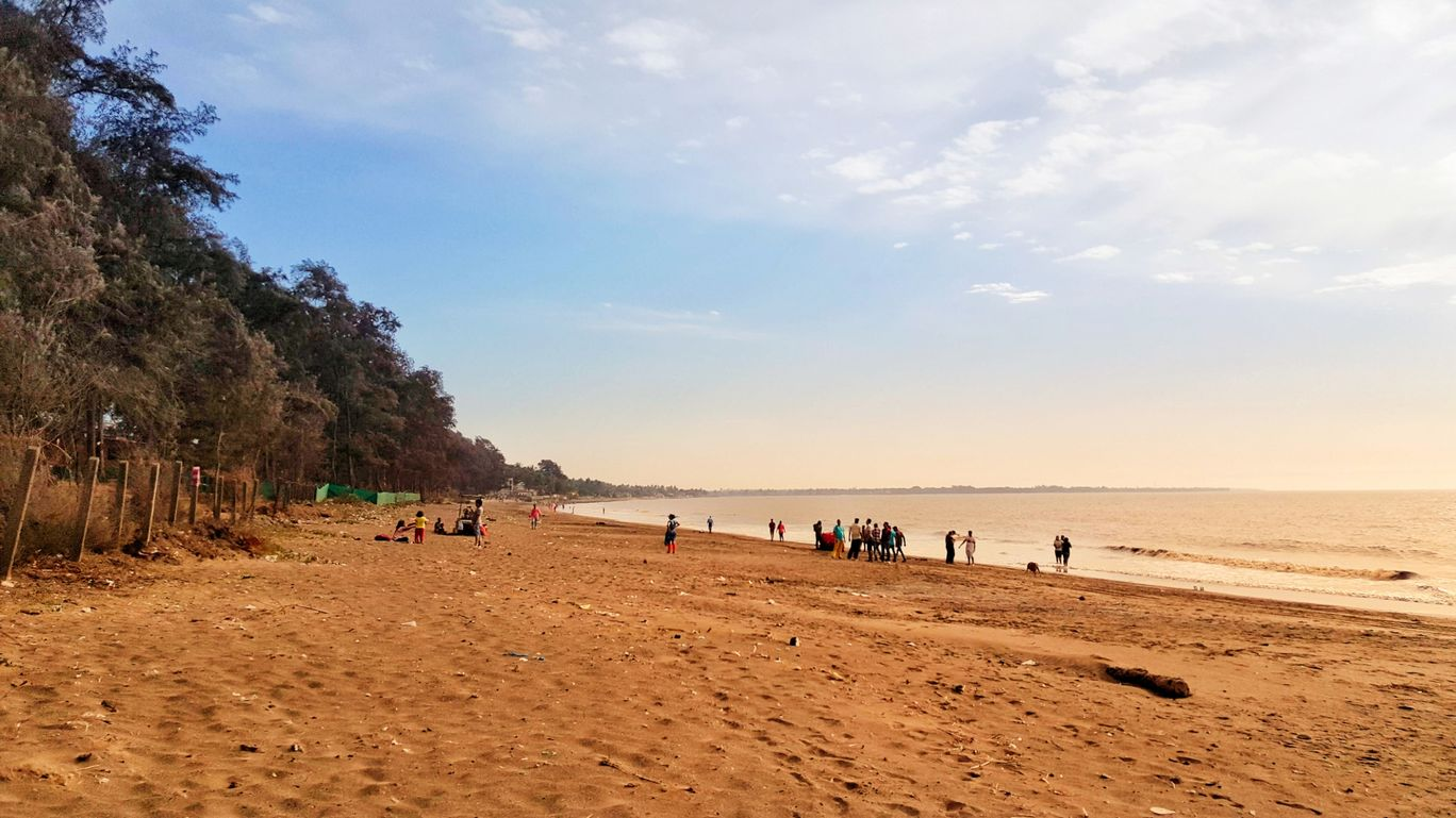 Photo of Dahanu Beach By Jagan Nadar