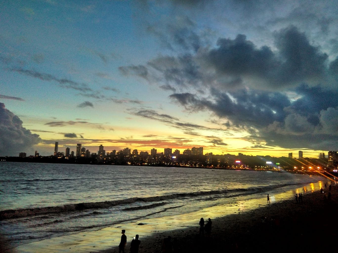 Photo of Marine Drive By piyushvarade