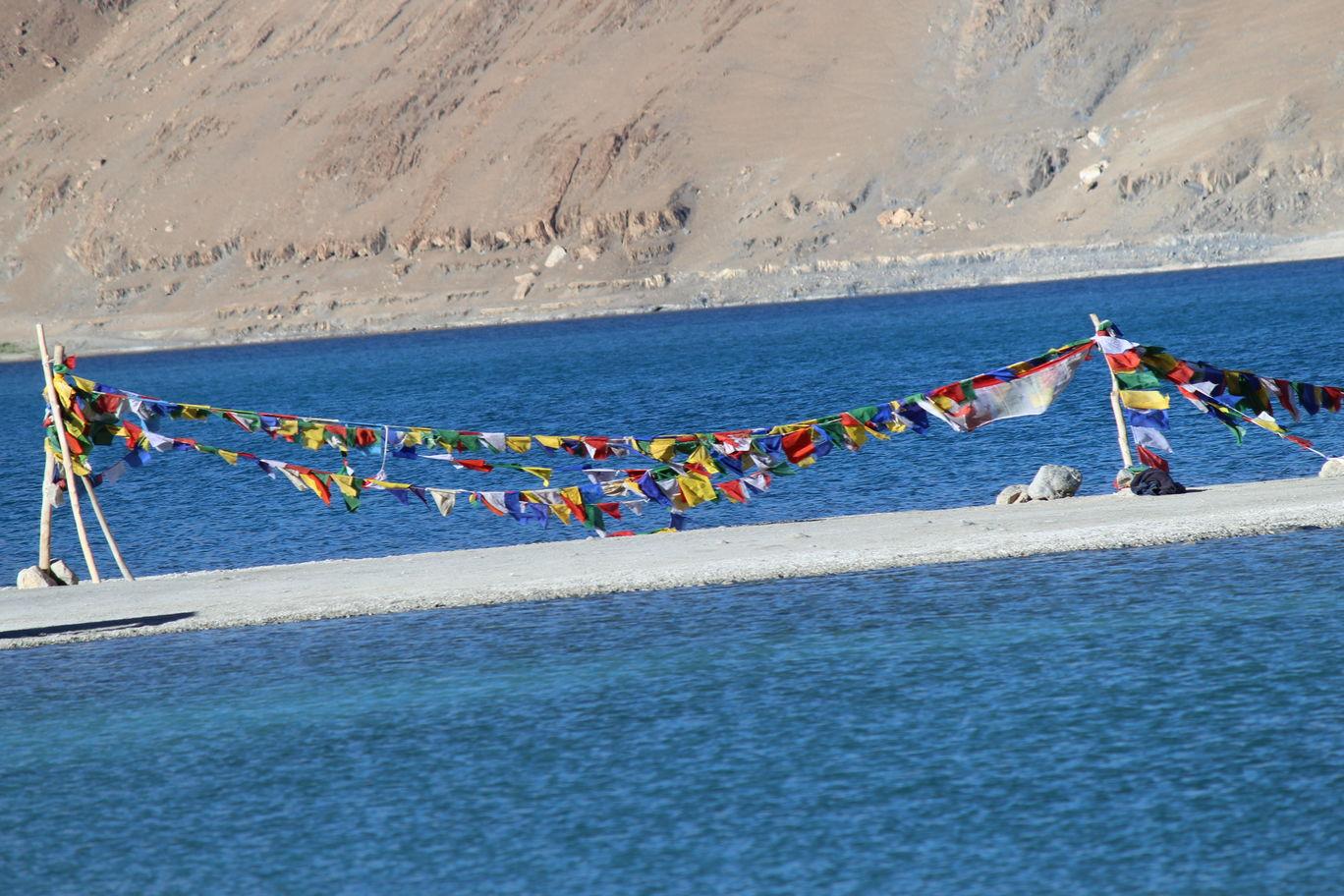 Photo of Pangong Lake By Kanchan Hansrajani