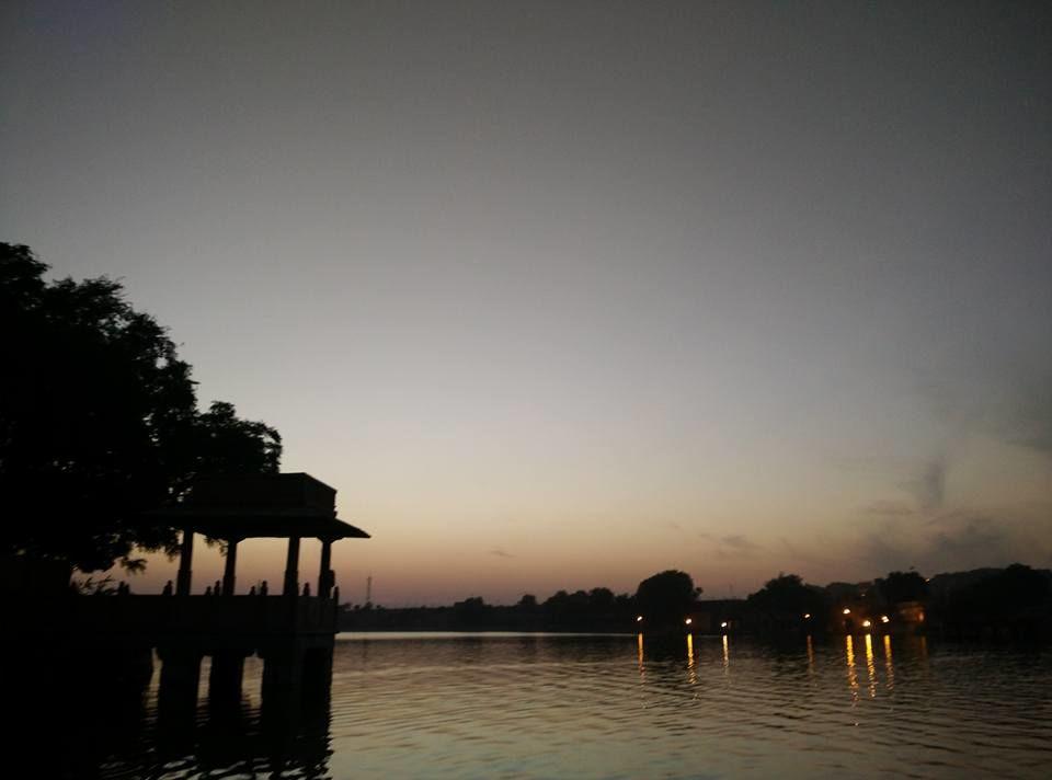 Photo of Gadisar Lake By Shruti Jain