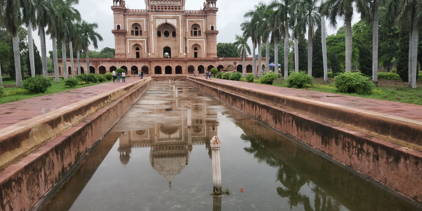Photo of Safdarjung Tomb By Ambrish Varshney