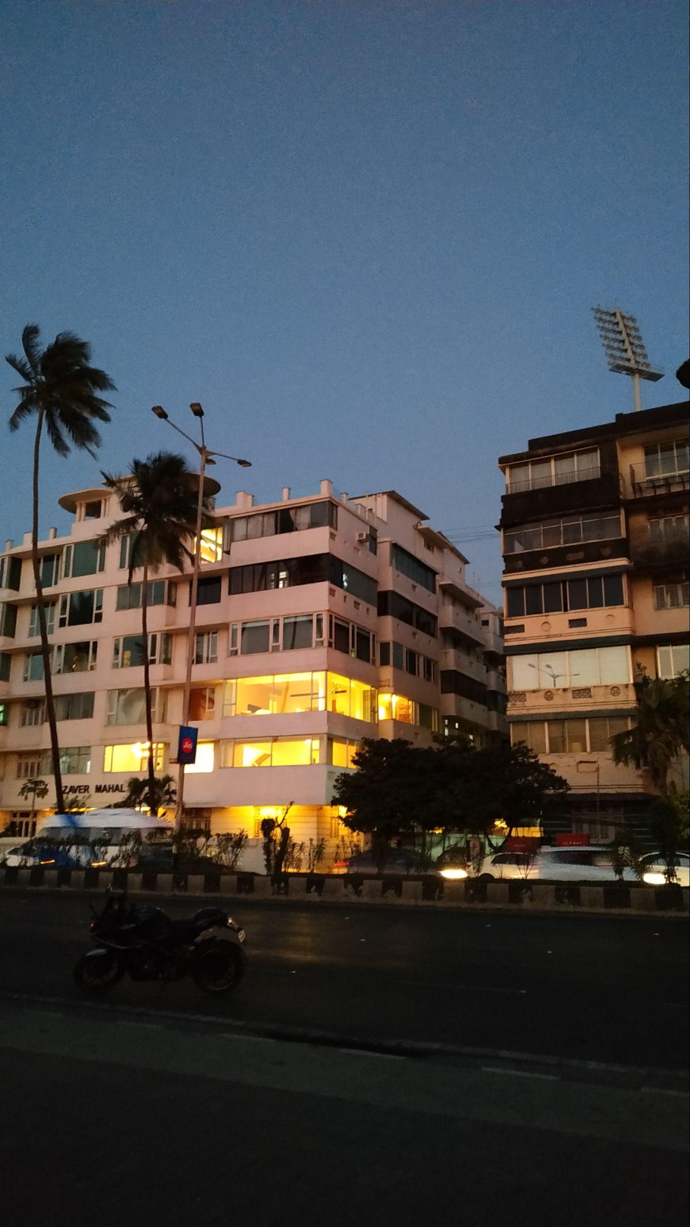 Photo of Marine Drive By Neeraj Shukla