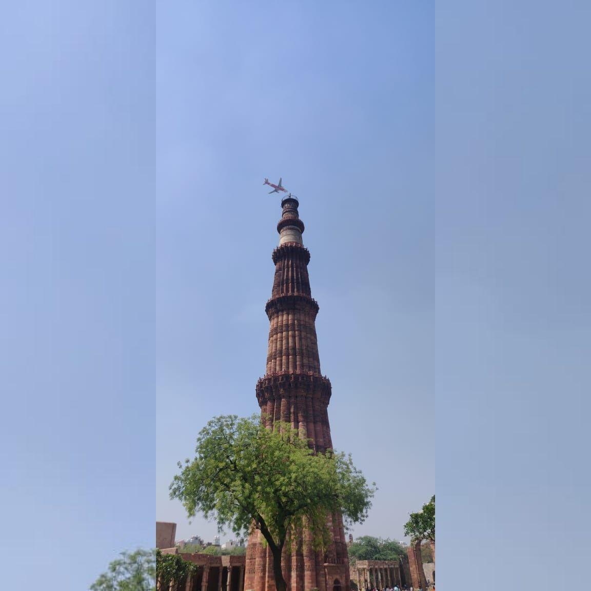 Photo of Qutub Minar By zaid shamsi