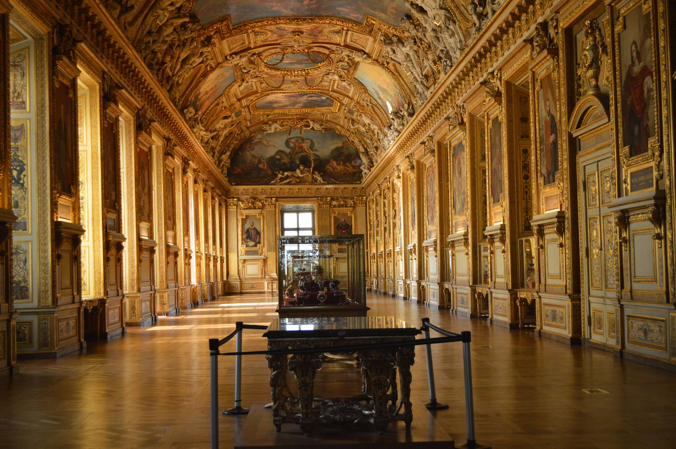 Photo of Museum Louvre By Kapil Kumar