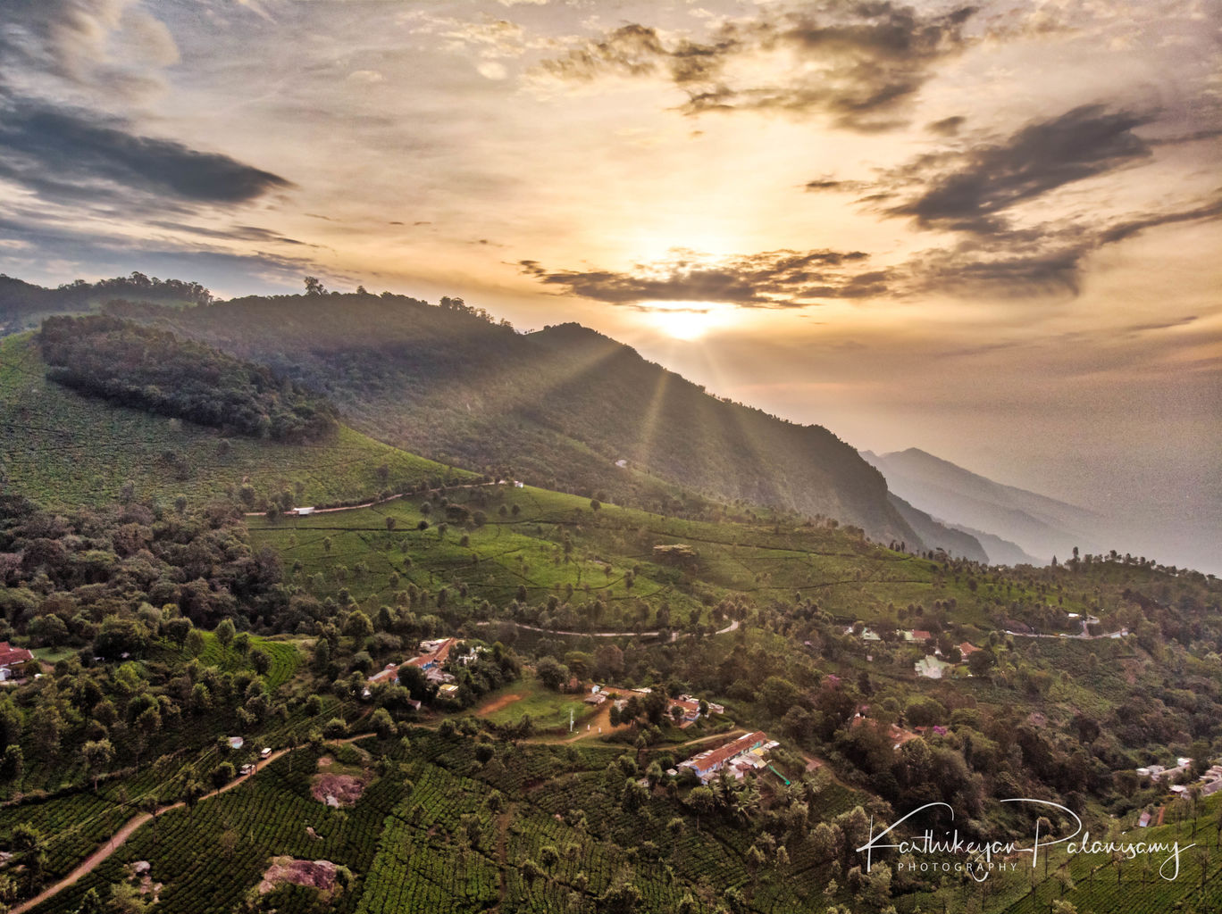 Photo of Coonoor By Karthikeyan Palanisamy
