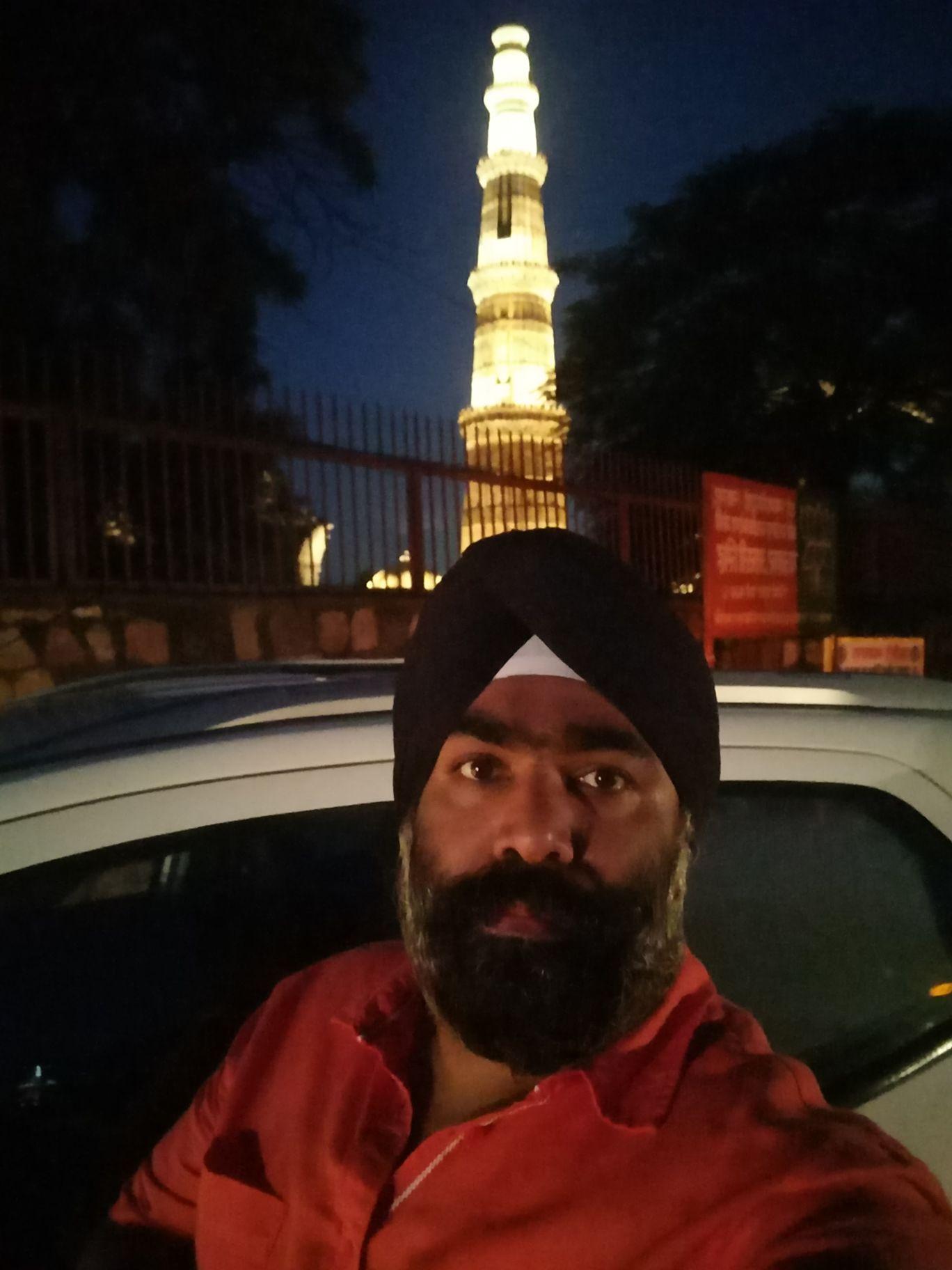 Photo of qutub minar monuments By Charandeep Singh
