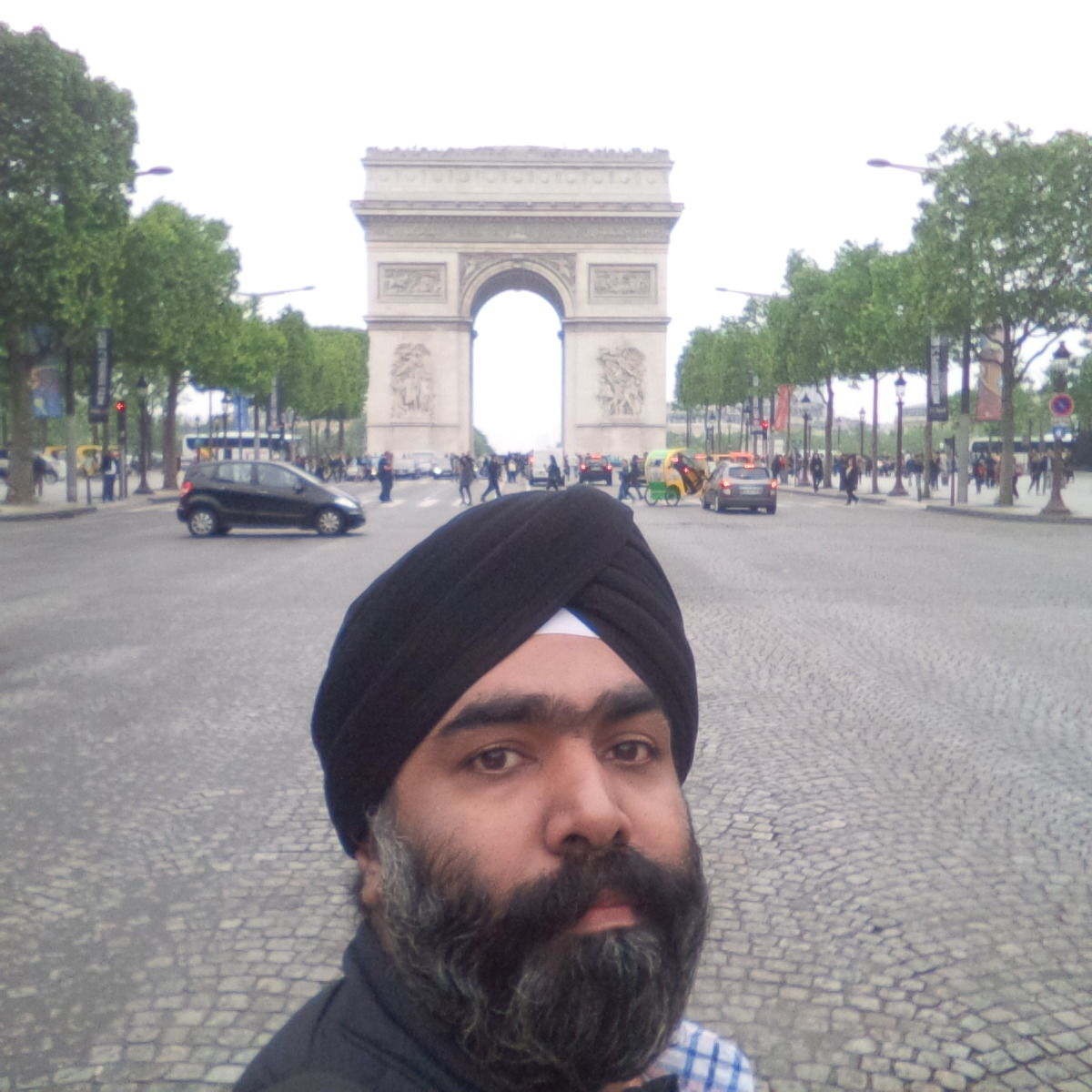 Photo of Arc de Triomphe By Charandeep Singh