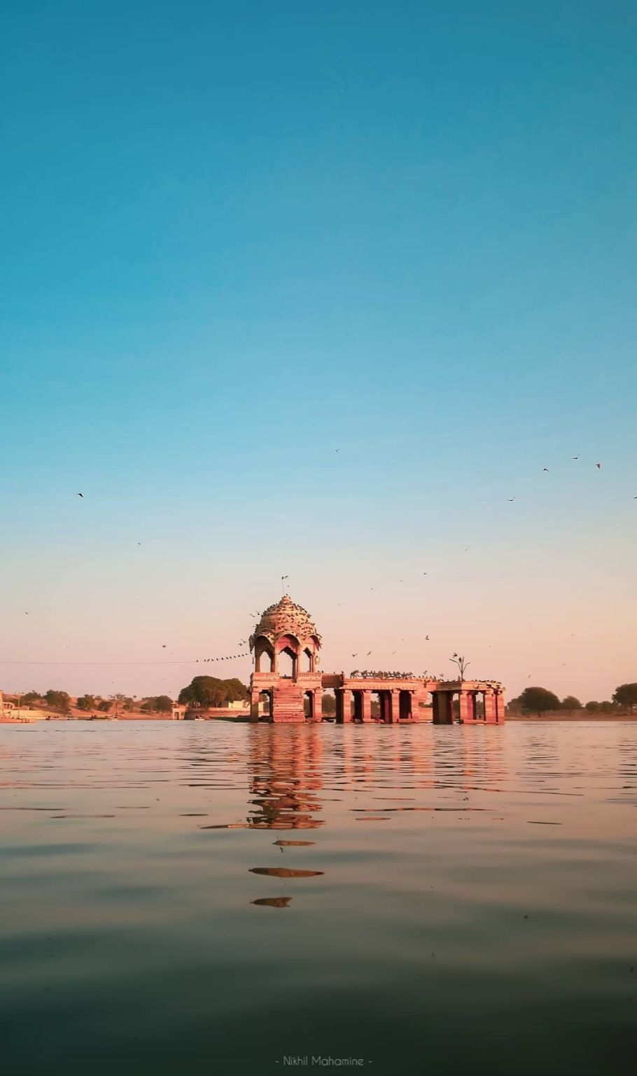 Photo of Gadisar Lake By Nikhil Mahamine