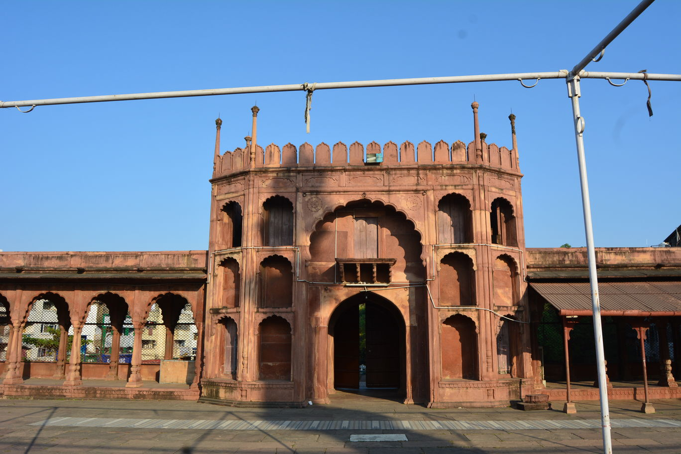 Photo of Trip to Moti Masjid: A Gorgeous Shrine in Bhopal By Mahesh Maddala