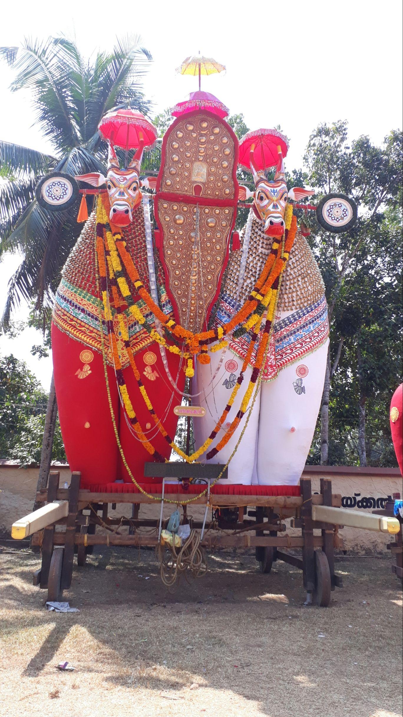 Photo of Chunakkara mahadeva temple By Chief RedEarth