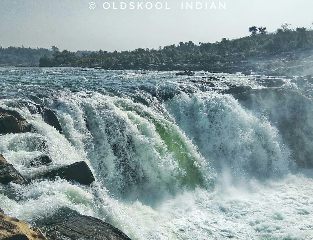 Photo of Dhuandhar Water Fall By oldskool_indian