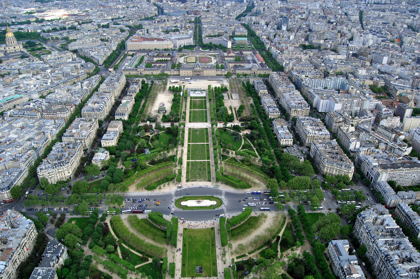 Photo of Paris By Manish Ayachit