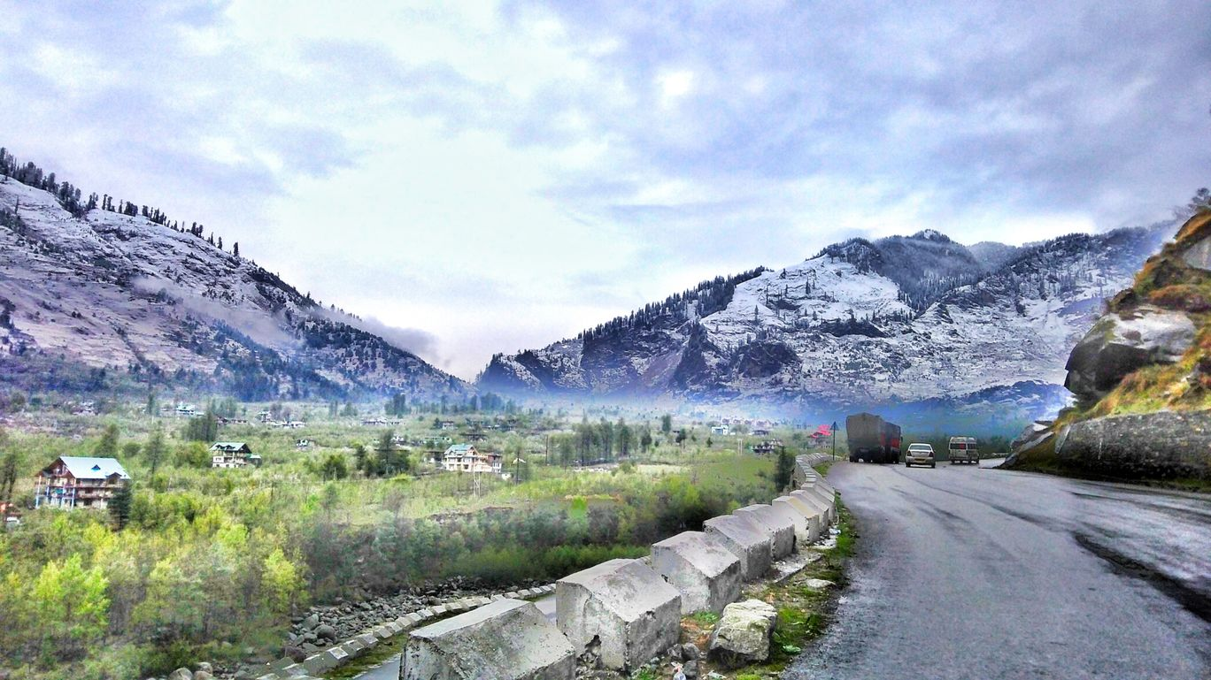 Photo of Leh Manali Highway By Rohit Vishwakarma