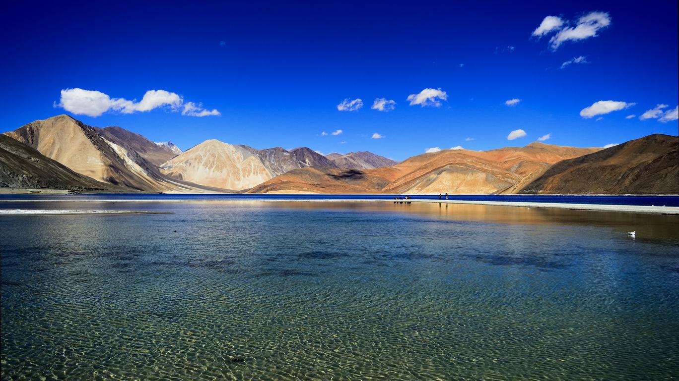 Photo of Pangong Lake By Nikhil Aggarwal