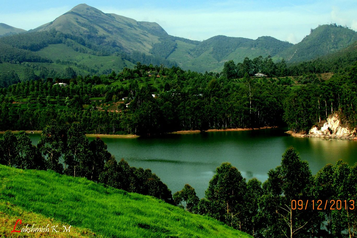 Photo of Munnar By Lakshmisha Kerekoppa