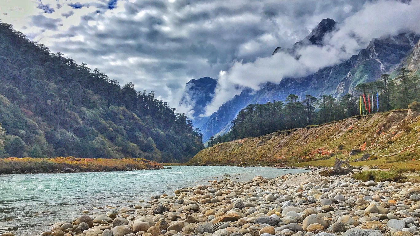 Photo of Yumthang Valley Natural Reserve By Subhojit Bhattacharya
