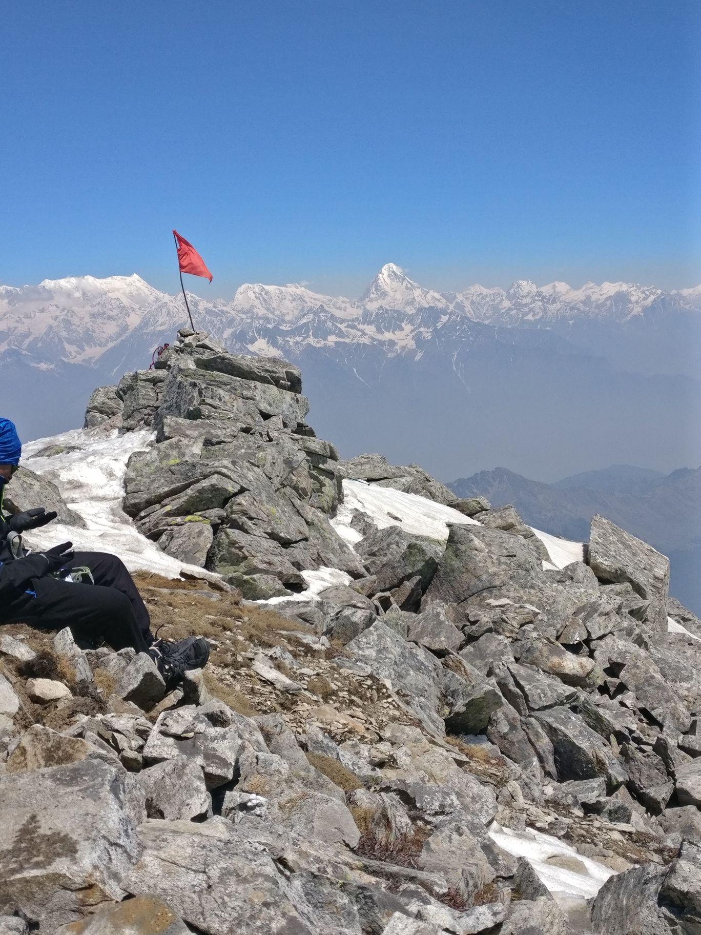 Photo of Kuari Pass & Pangarchulla Peak By Deepak Kapoor