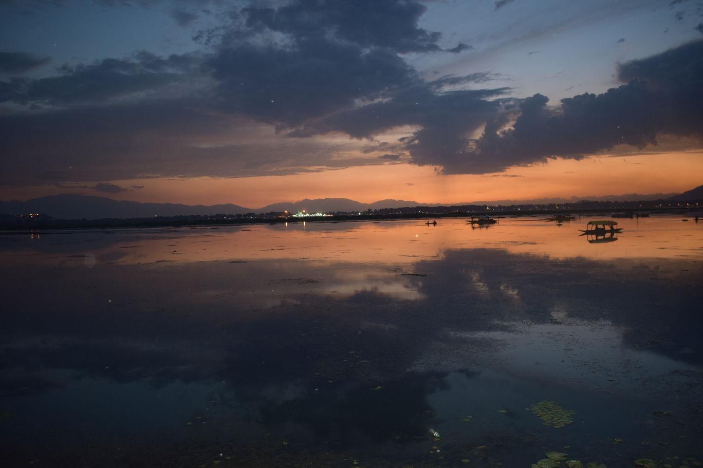Photo of Dal Lake By Neda Hashmi