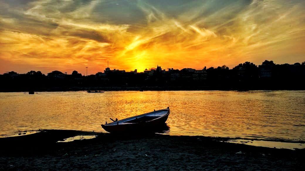Photo of Varanasi By Anisha Tiwari