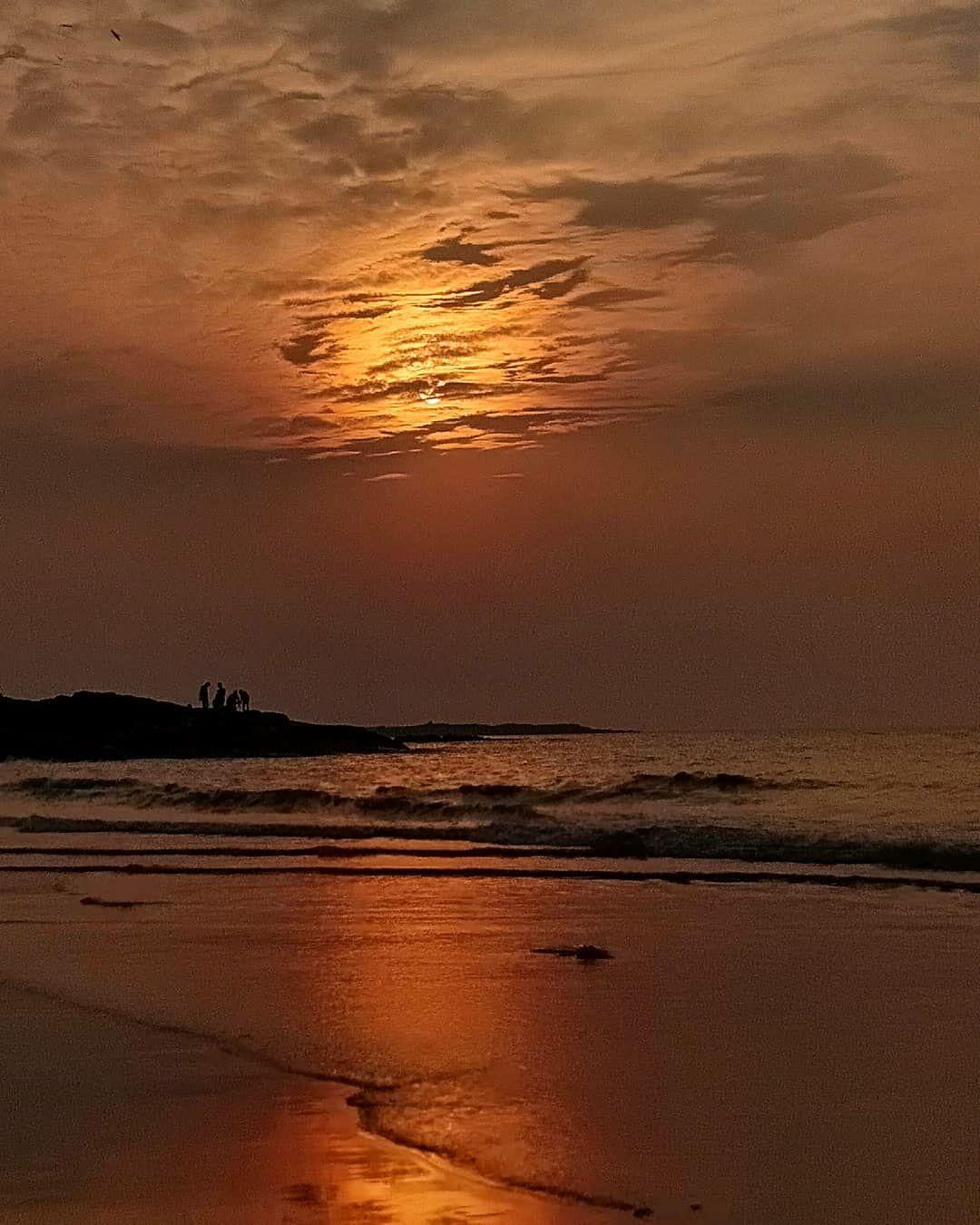 Photo of Aksa Beach By Ananya Dobhal
