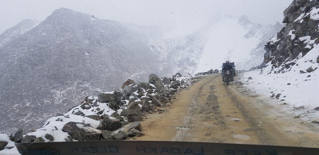 Photo of Pangong Lake Road By Dolly Verma