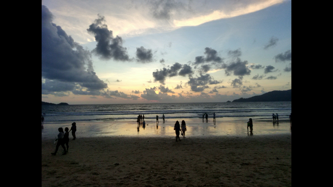 Photo of Patong Beach By Mansi Agrawal