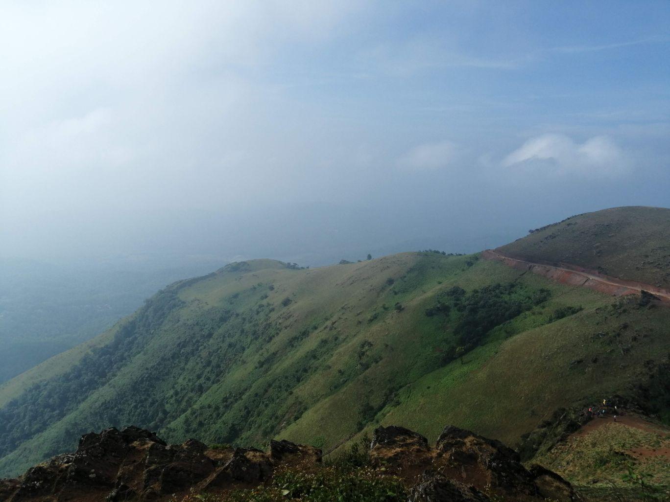 Photo of Mullayanagiri Peak By Hari Chandu Vakacharla