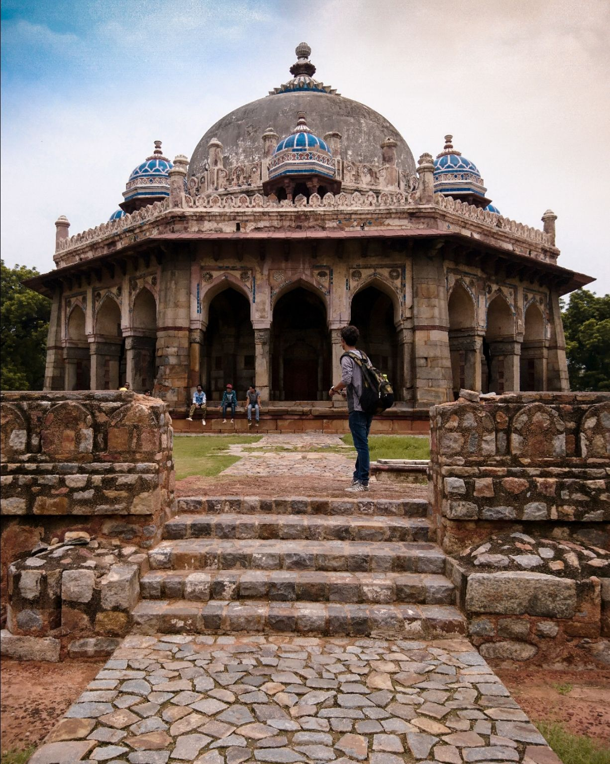 Photo of Isa Khan's Tomb By sachin chauhan