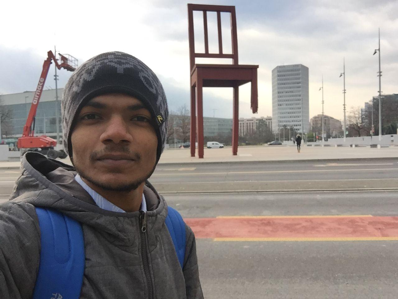 Photo of Broken Chair By Tejsingh Patil