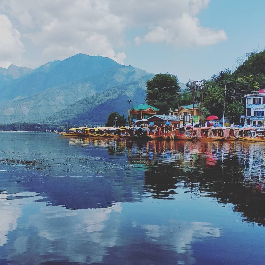 Photo of Dal Lake By Rajen Thapa