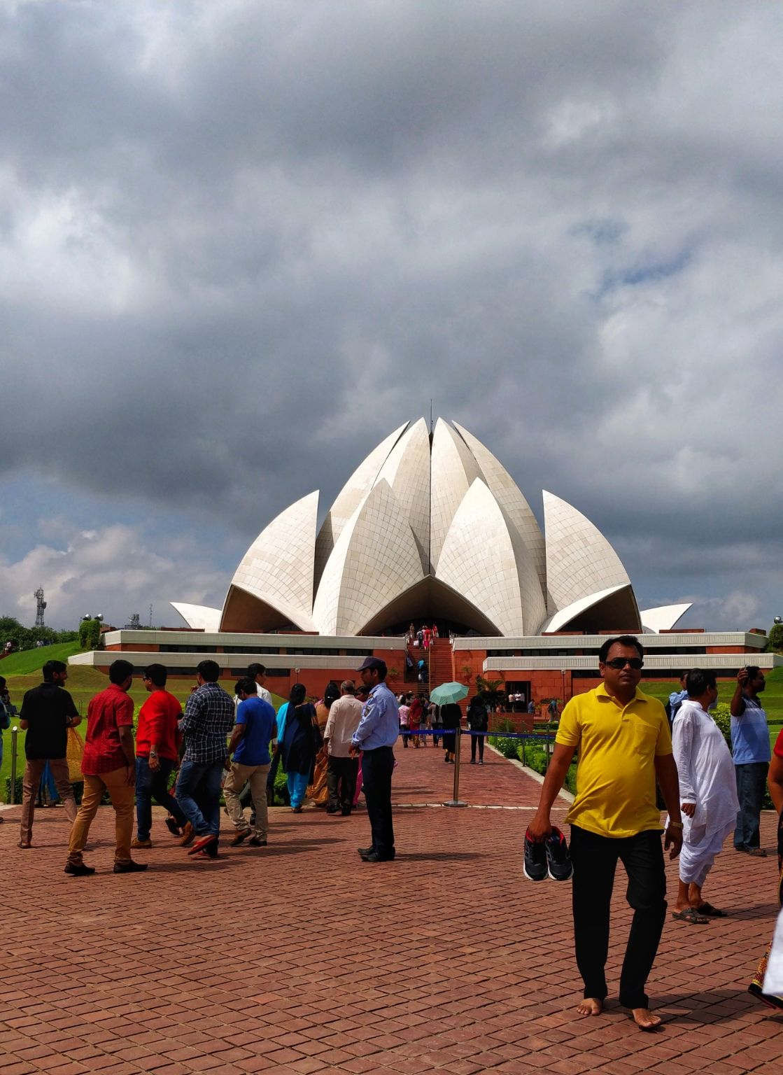 Photo of Lotus Temple Road By Samriddhi Nandwana