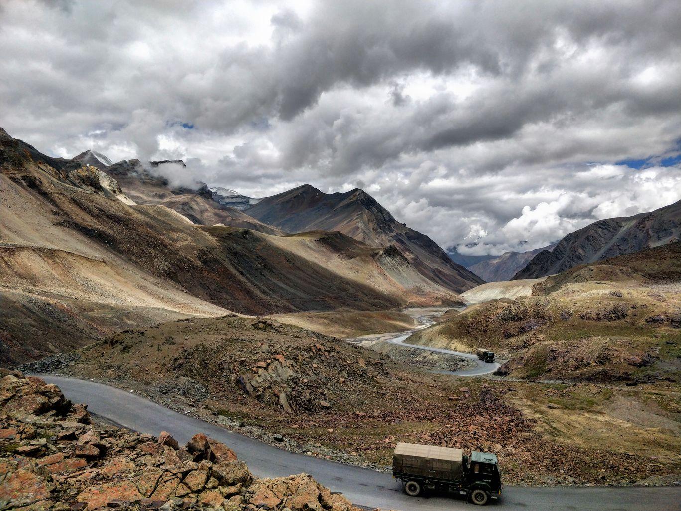 Photo of Baralacha La Pass By Gwyneth Pereira