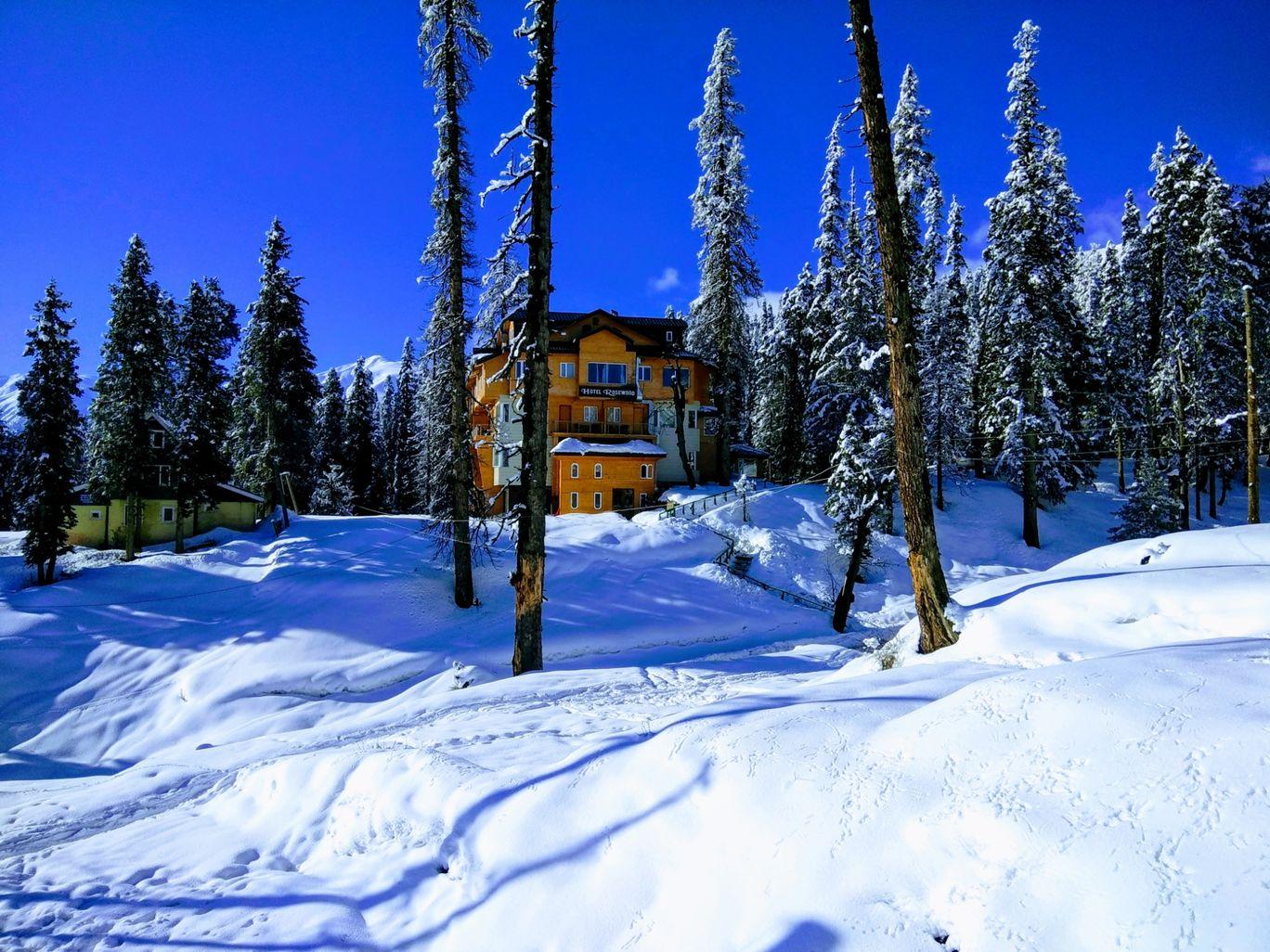Photo of Kashmir Valley By Anupriya