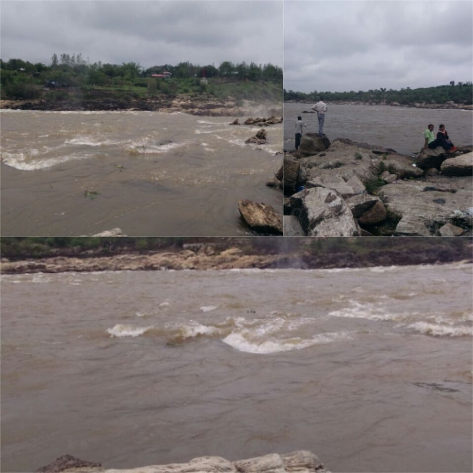 Photo of Bhedaghat Water Fall By Priyanka Mishra