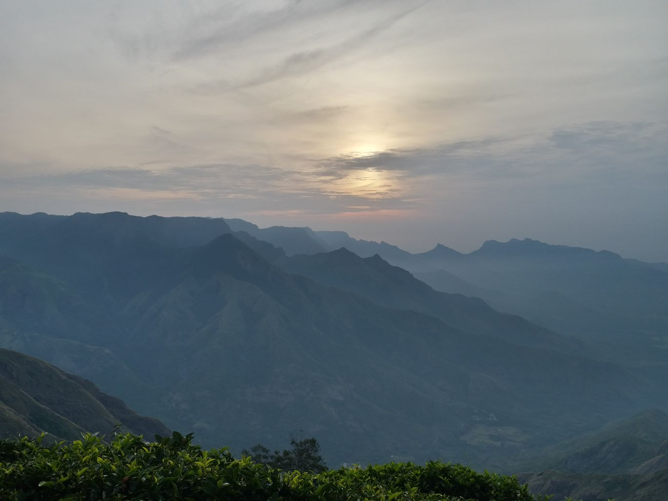 Photo of Kolukkumalai Sunrise view point 2000 per Jeep By Niharika Rajaram