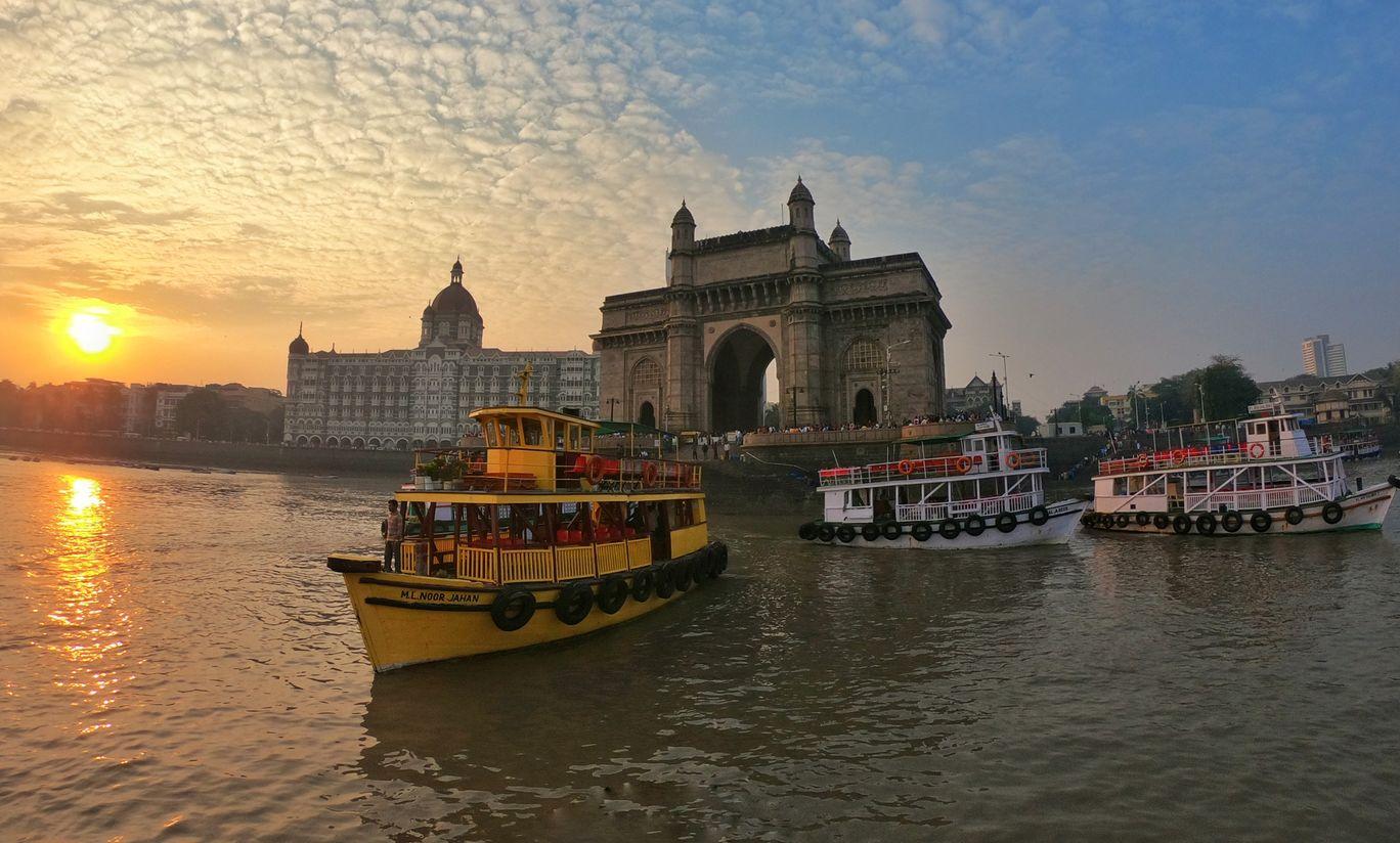 Photo of Gateway of India By Ishwar Madkaikar