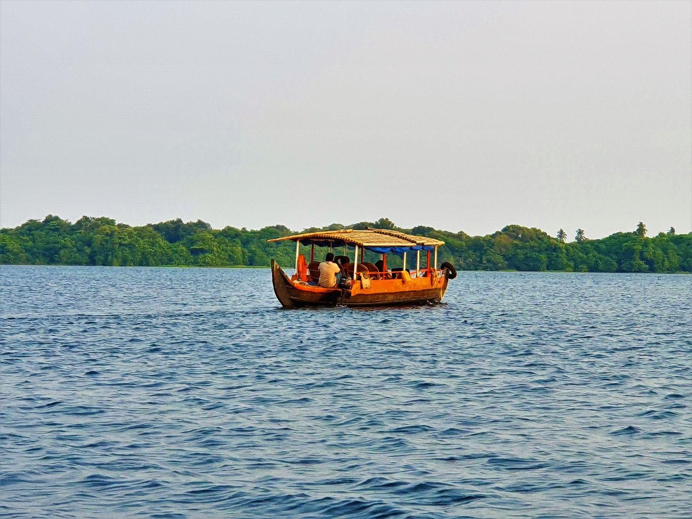 Photo of Vembanad Lake By Sinjana Ghosh