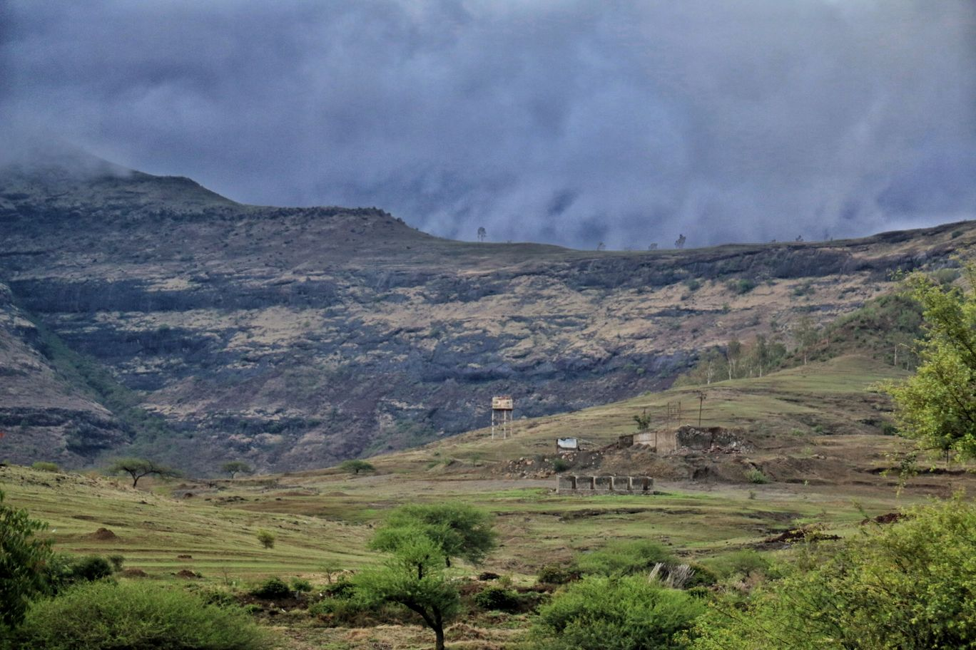 Photo of Malshej Ghat By Lone Wolf