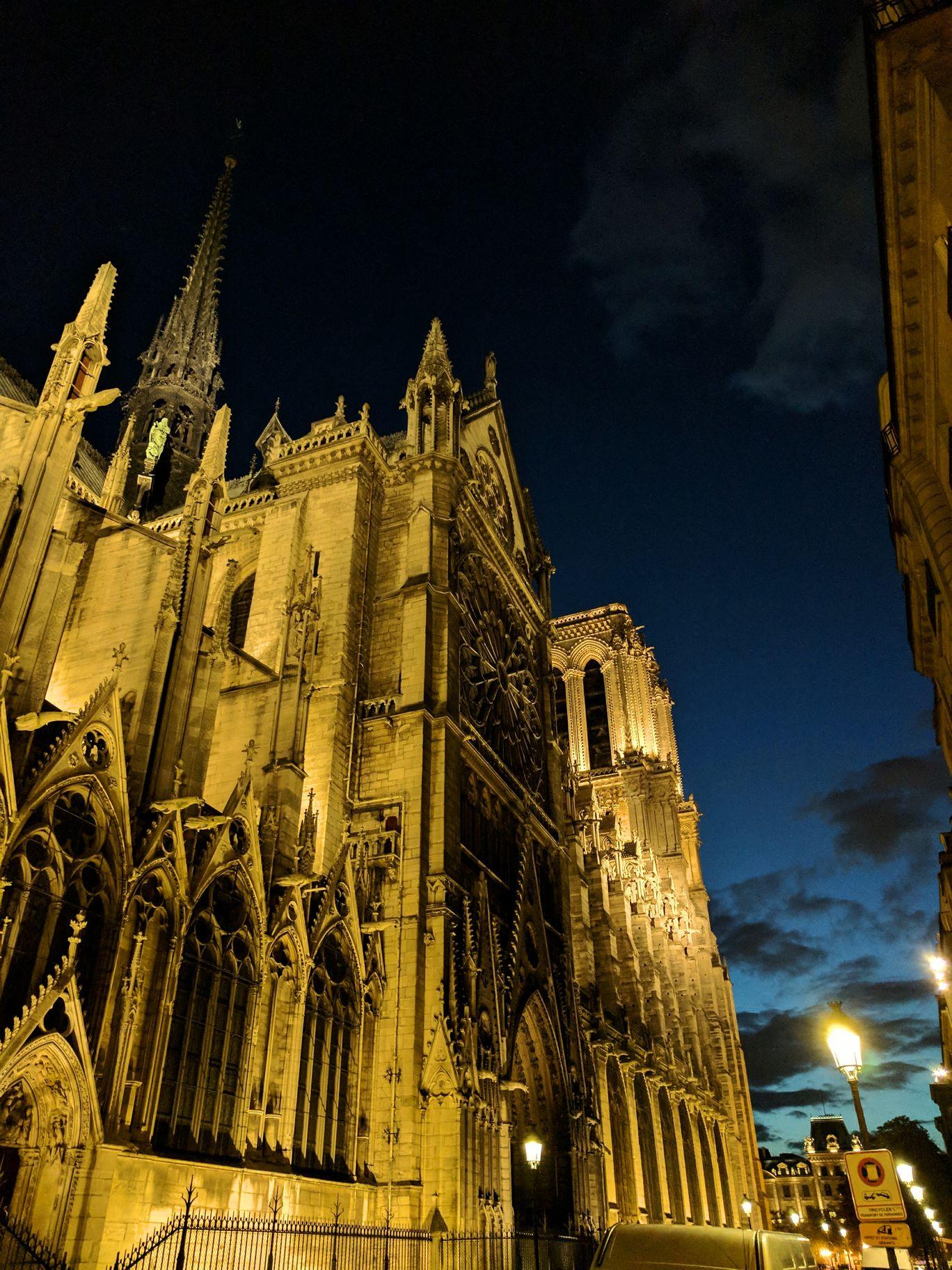 Photo of Cathédrale Notre-Dame de Paris By Devlina Talapatra