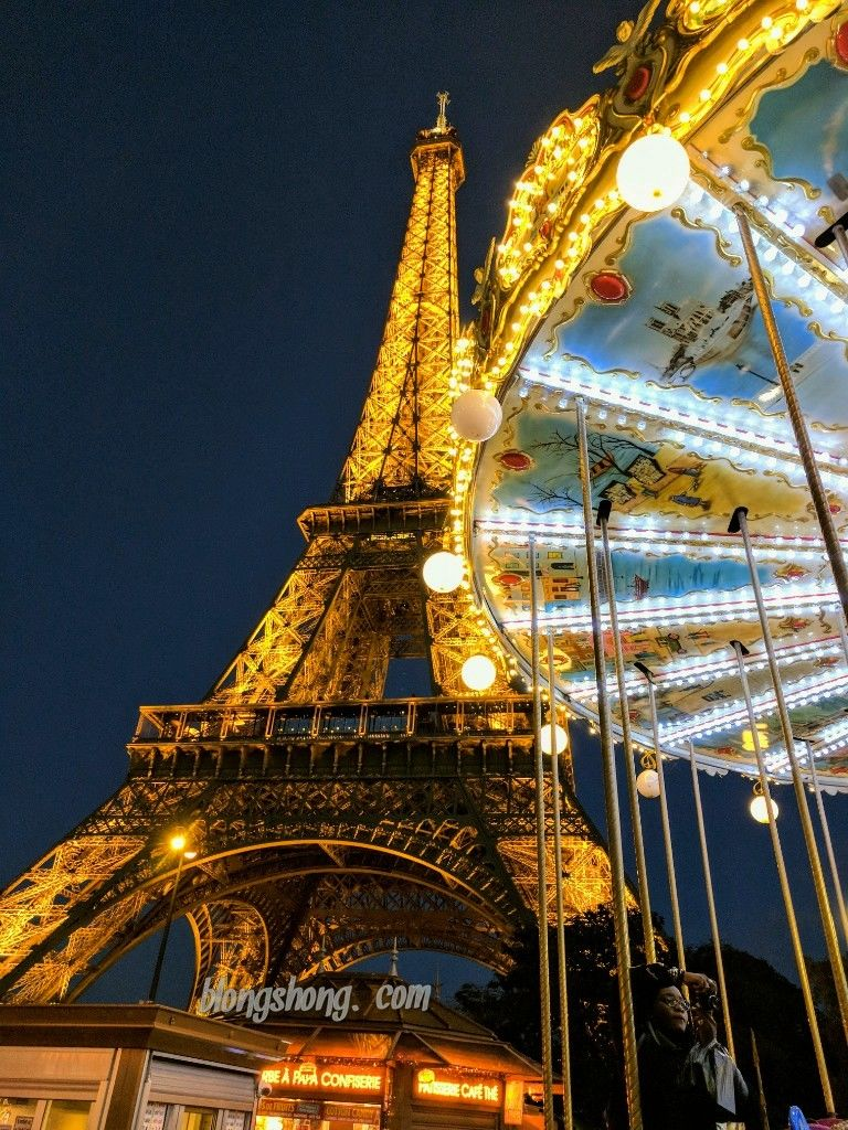 Photo of Eiffel Tower By Devlina Talapatra