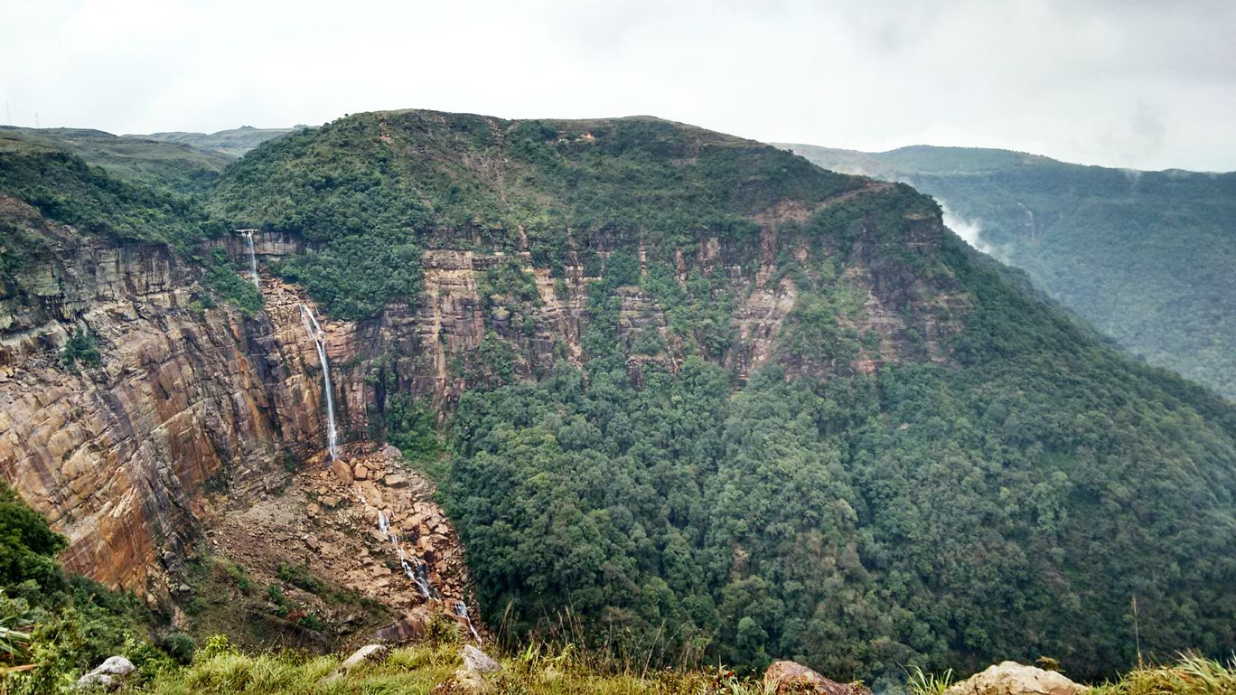 Photo of NohKaLikai Falls By Devlina Talapatra
