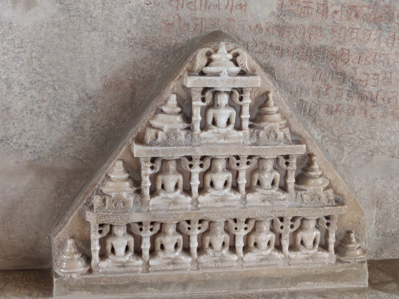 Photo of Ranakpur By hugthebackpack