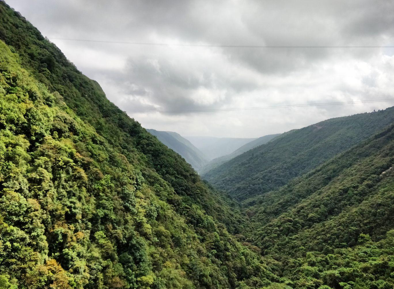 Photo of Mawkdok Dympep Valley View Point By Bhakti Prabhu