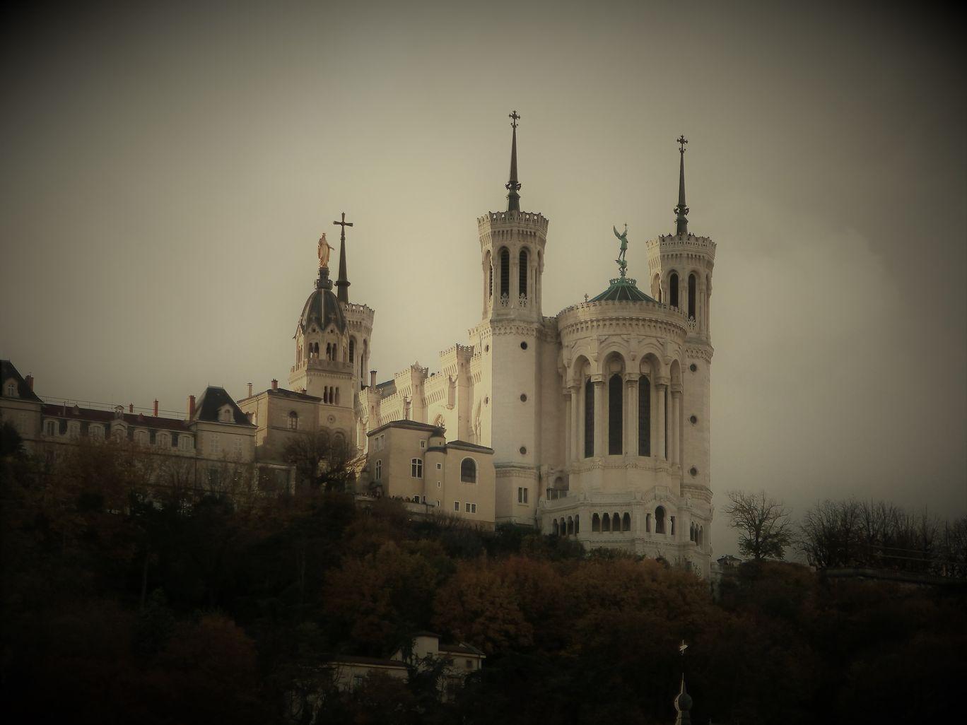 Photo of Lyon By Namrata Bordoloi