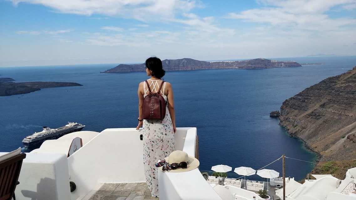 Photo of Santorini By Kirti Gupta